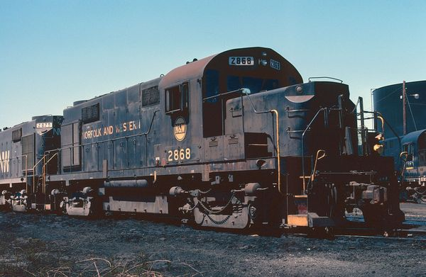 NW Alco RS36 #2868
