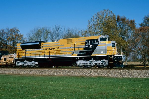 EMDX EMD SD70ACe #1201 Cat