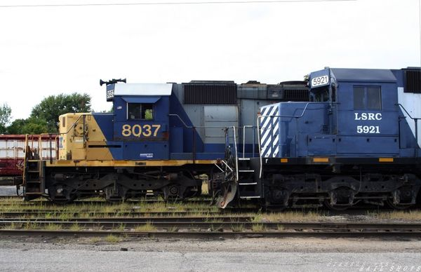 CSX and LSRC..Side by Side