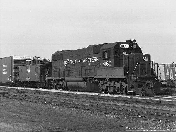 N&W GP38-2 #4160 at Buffalo Junction Yard