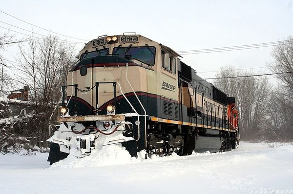 BNSF 9609..Pushing Snow