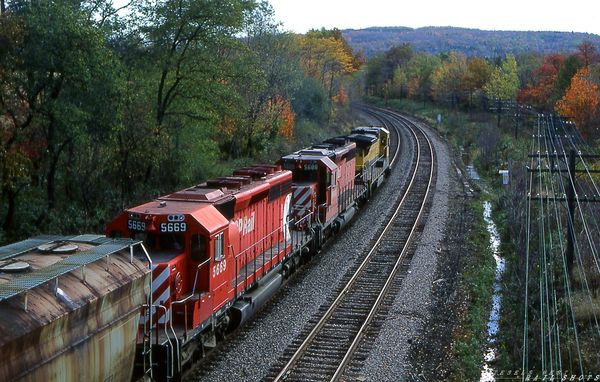 CP/D&H eastbound merchandise Hunts Hollow NY