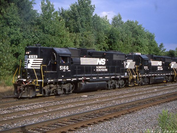 NS GP38-2 #5166 Silver Springs NY