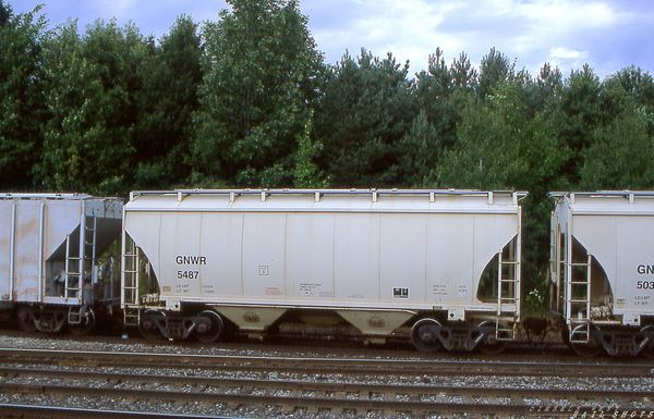 GNWR 2-bay ACF covered hopper #5487 Silver Springs NY